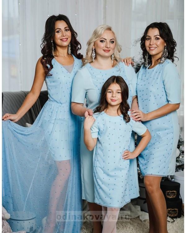 Комплект платьев Family Look для мамы и дочки Бусинки М-2049 цвет голубой