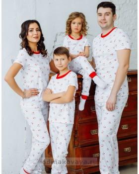 Комплект пижам в стиле family look Love М-2169