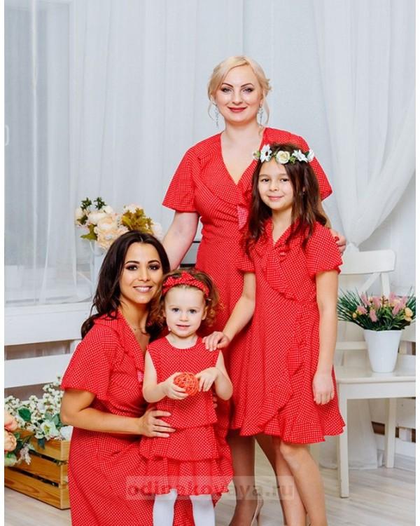 Комплект платьев с воланами Family Look для мамы и дочки Кармен М-2064 цвет сирень