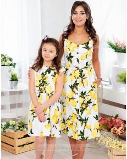 Комплект летних платьев в стиле Family Look для мамы и дочки Фруктовый микс М-2070