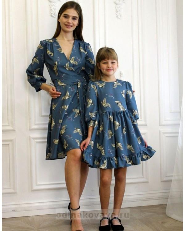 Одинаковые платья для мамы и дочки, КМ2190 синий принт птицы
