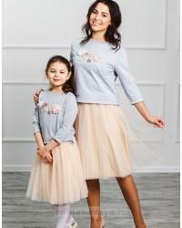 Одинаковые юбки и брюки для мамы и дочки
